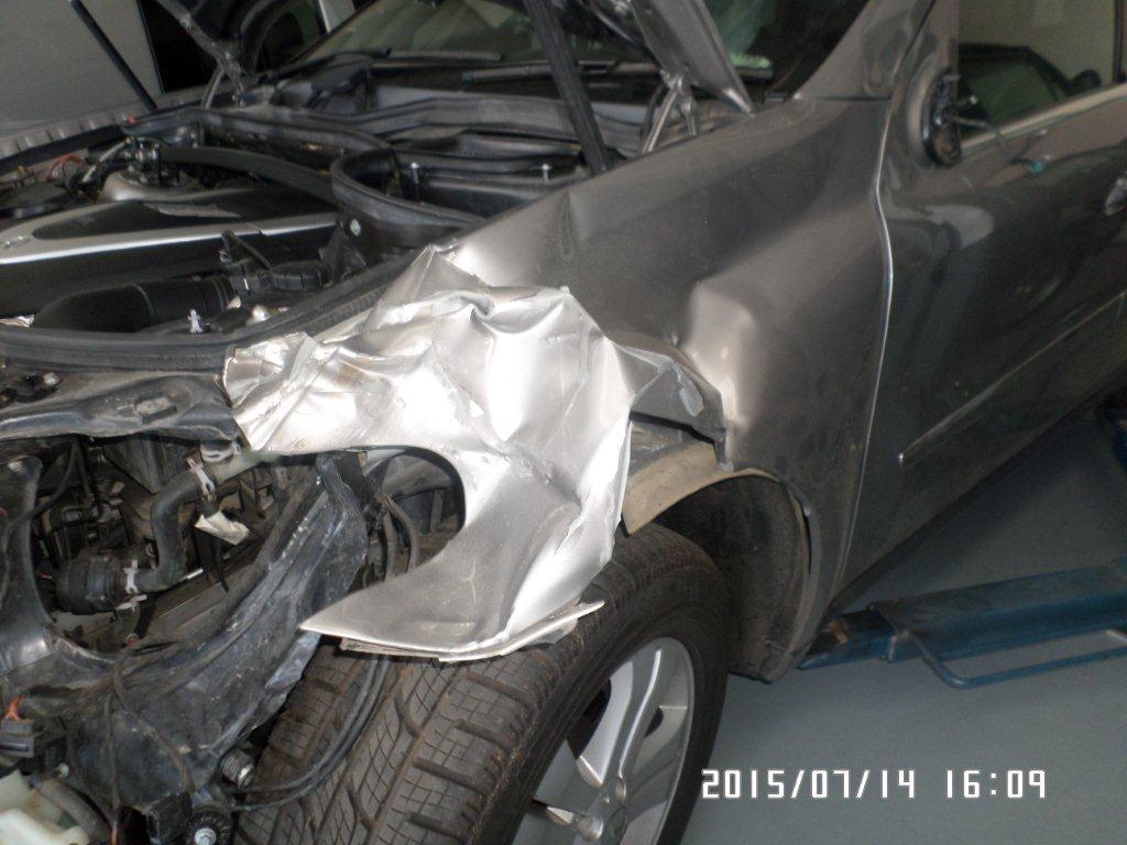 Mercedes Benz: Accident damage